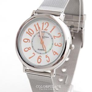 Valentino范倫鐵諾中性鋼索錶