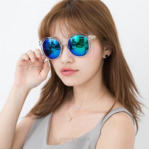 同款2色鏡框搭配圓形粗框墨鏡