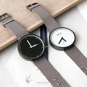 素面大框黑白配色鋼索手錶