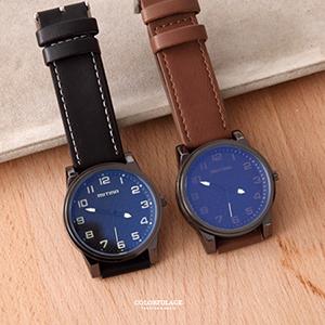 手錶 厚實錶框藍光鏡面腕錶